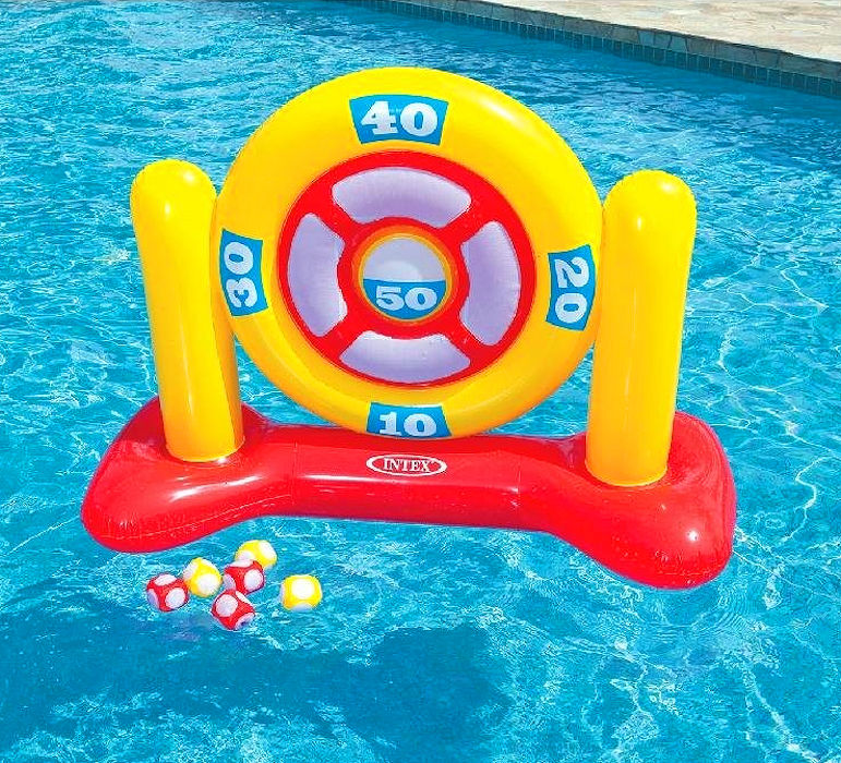 Swimming pool darts game for Primary games swimming pool sid